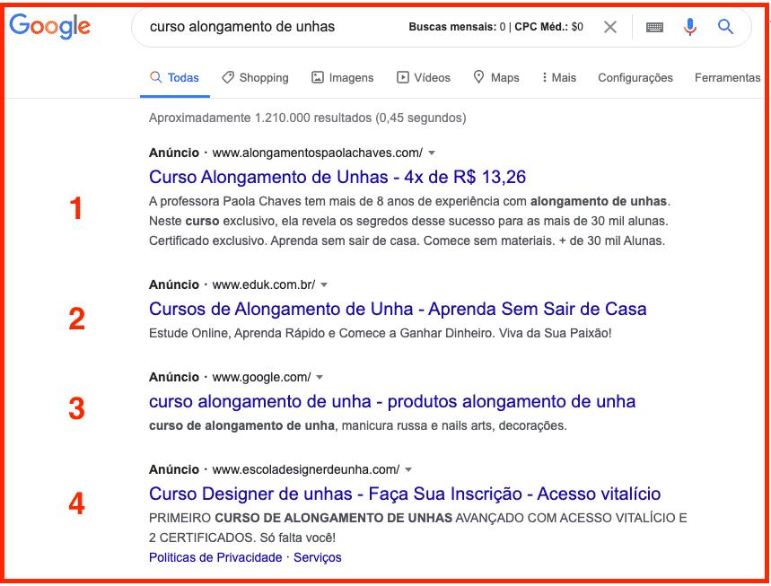 Google Ads Para Afiliados: aparecem quatro anúncios, no máximo, na parte superior dos resultados de pesquisa.