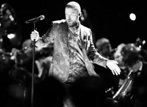 Por esta razón Justin Timberlake no podía parar de jugar con el micro en la Super Bowl