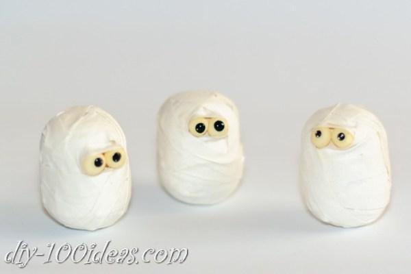 diy-duct-tape-mummies-2