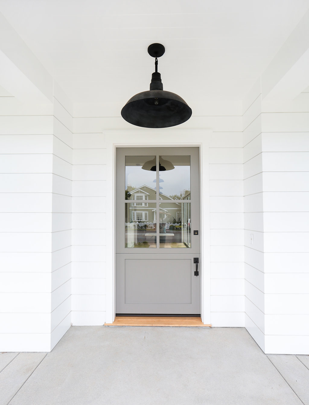 white exterior paint neutral trim