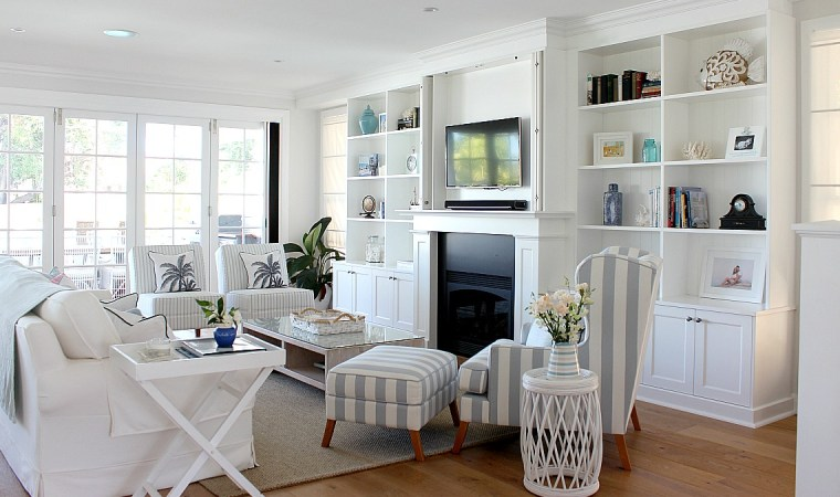 Classic Coastal Living Room Feature