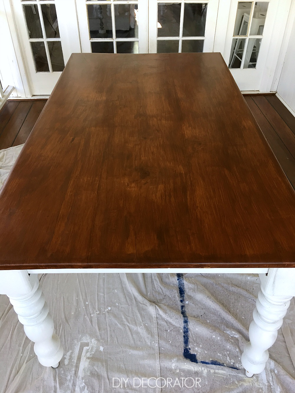 Refinish outdoor table 2 coats