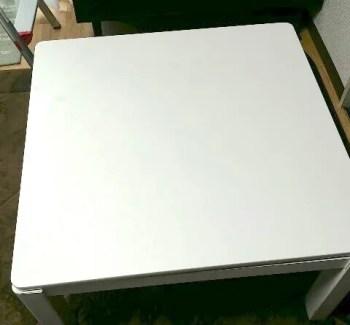 炬燵のテーブル