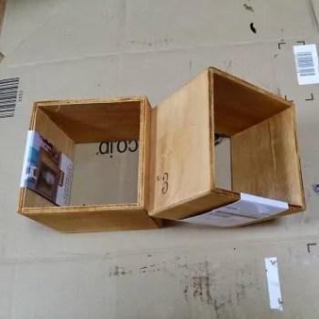 セリアの底が無い木箱