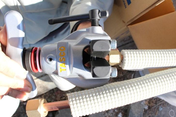 エアコンに取り付ける冷媒管をTASCOのフレア加工で広げる