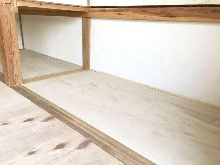 5.5mmのベニヤ板で張替えた押入れの床