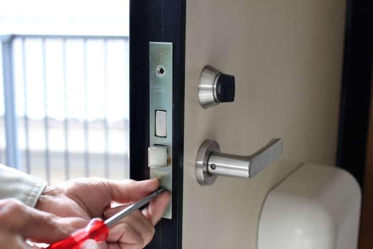 マンションのドア鍵(下段シリンダー)を交換