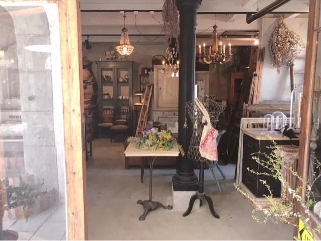 アンボワーズはカフェだけでなく家具販売や空間デザインもやっておられます