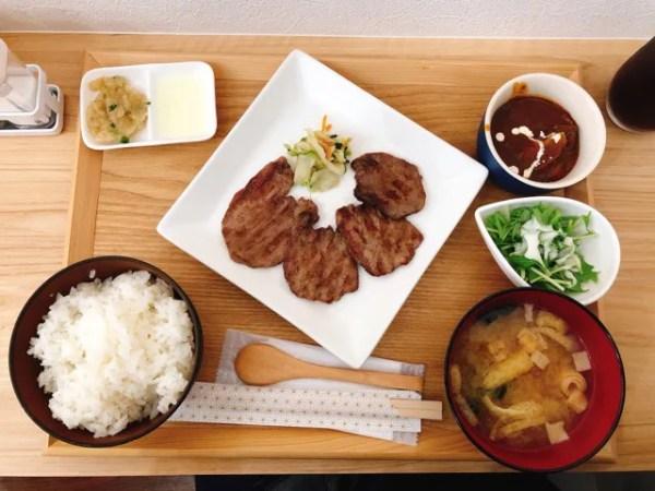 住吉の牛たん専門店 大阪屋のランチ「牛たん三昧定食」をいただくよ