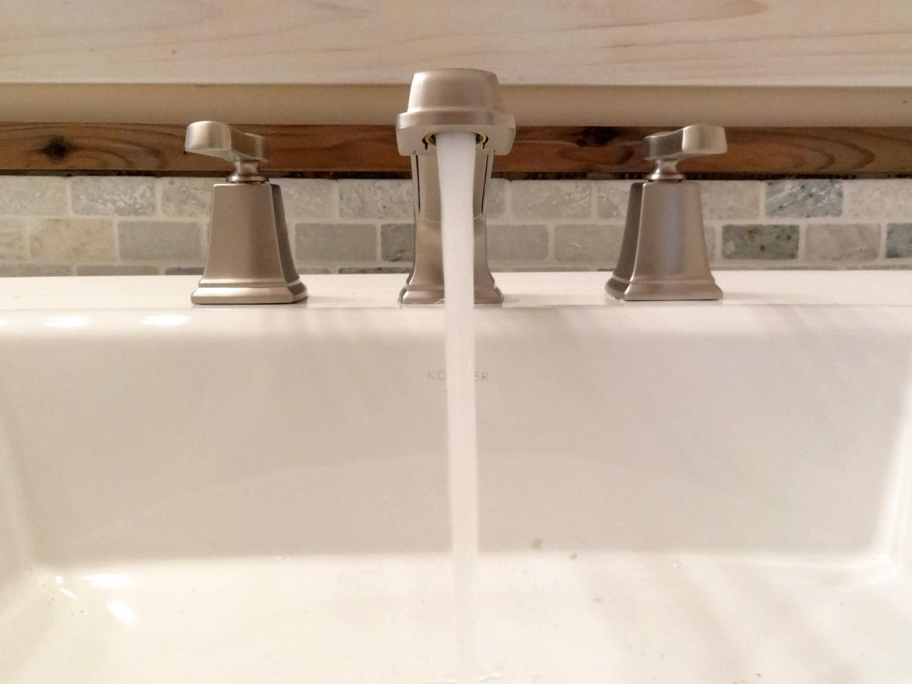 how to replace a bathroom faucet | how-tos | diy