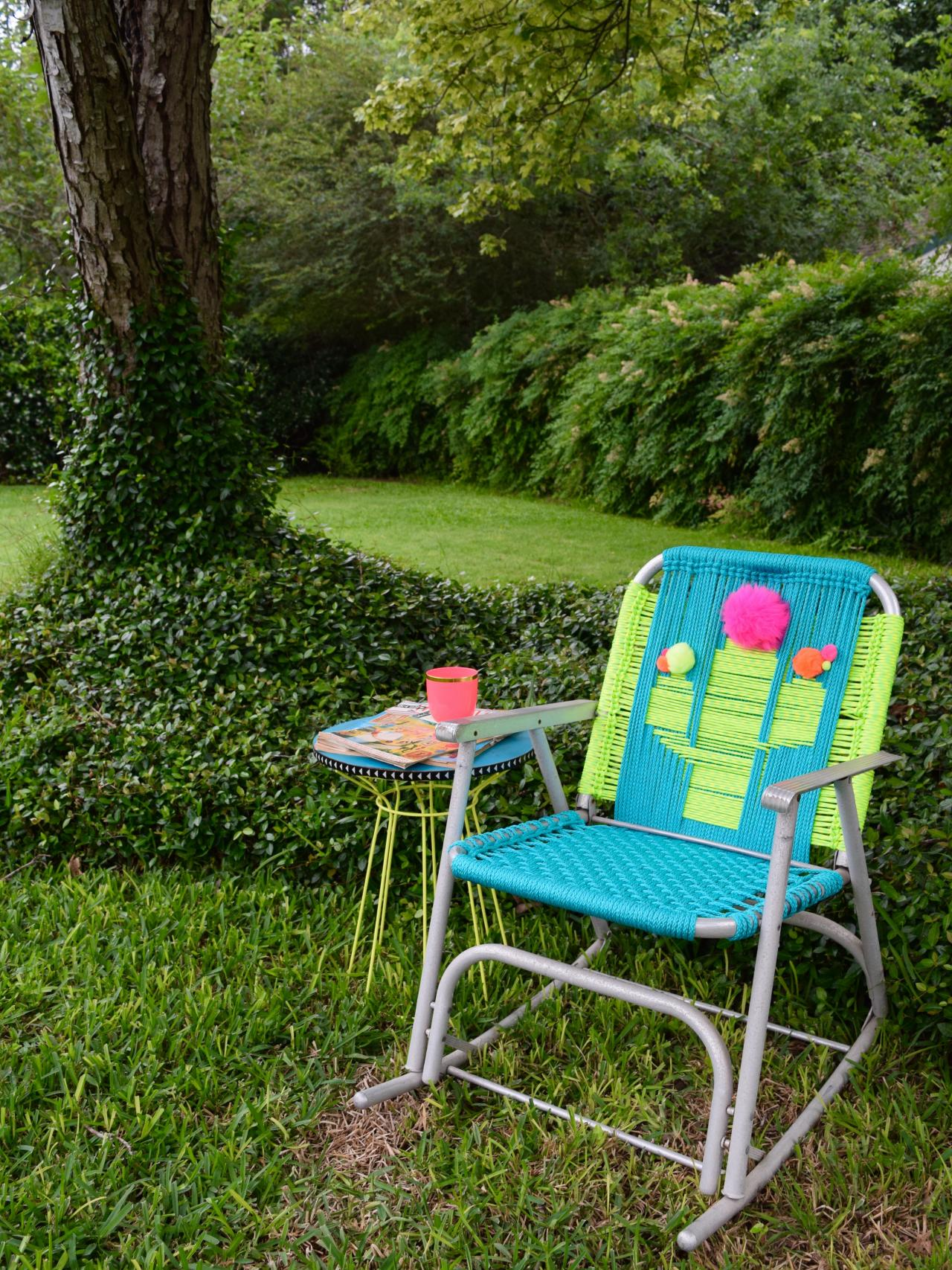 Woven Lawn Chair How To Macrame A Vintage Lawn Chair How Tos Diy