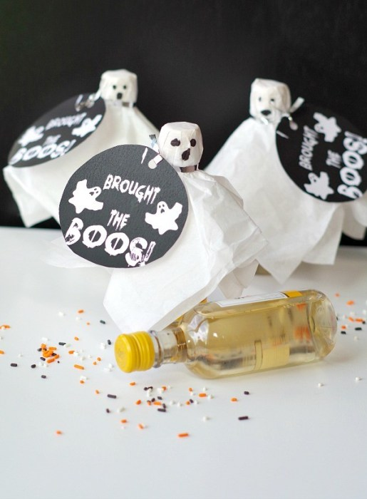 When you're looking to throw the ultimate spooky fete you can't serve just any old bag of chips. These 18 wicked drinks and savory treats are perfect!