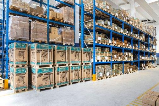Il magazzino Ineco, con 20.000 referenze a stock