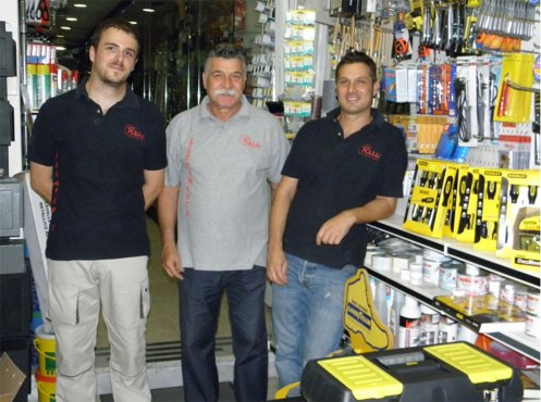 da destra Fabio Rossi, il padre Luigi e il collaboratore Andrea