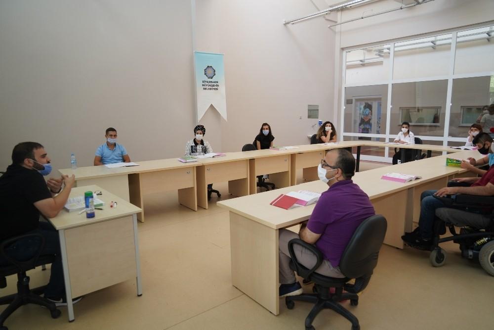 Büyükşehirin engellilere yönelik kursları başladı