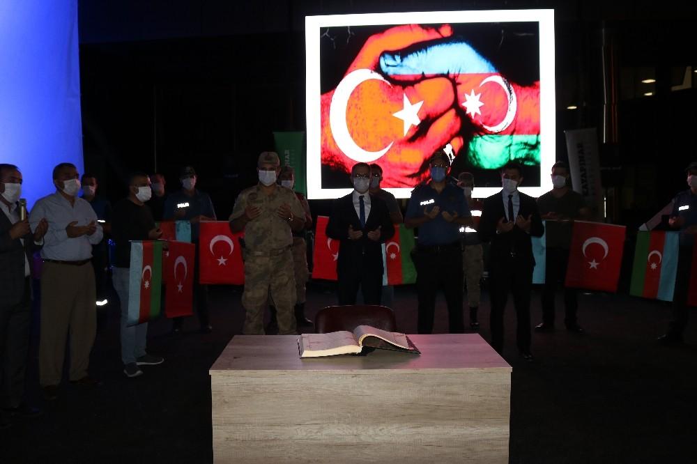 Diyarbakır'da Azerbaycan'ın zaferi için Kur'an-ı Kerim okundu, dua edildi