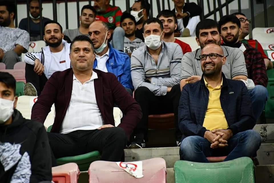 Kulüp başkanı taraftarların arasında maçı izledi