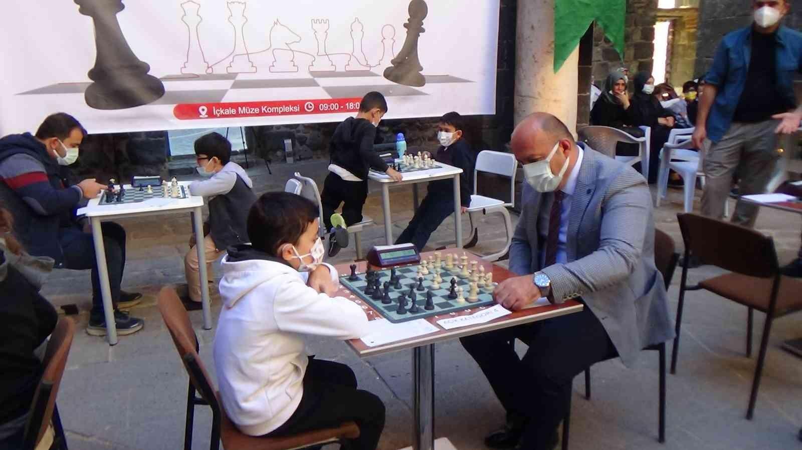 Sur Belediyesi geleneksel 1. satranç turnuvası başladı