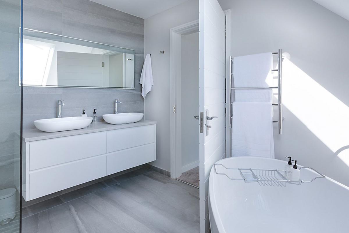 Gut gemocht Bodenbelag Badezimmer Kieselsteine | Boden Im Bad Alles Fliese EJ97