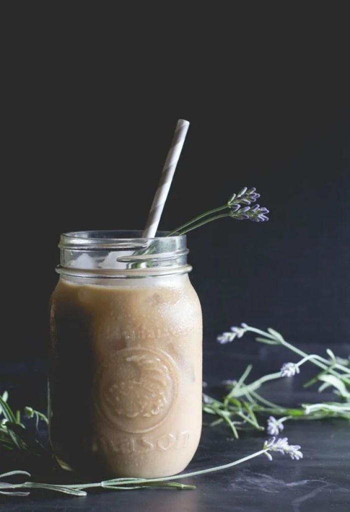 I love this lavender-honey iced latte recipe! Looks so YUMMY!