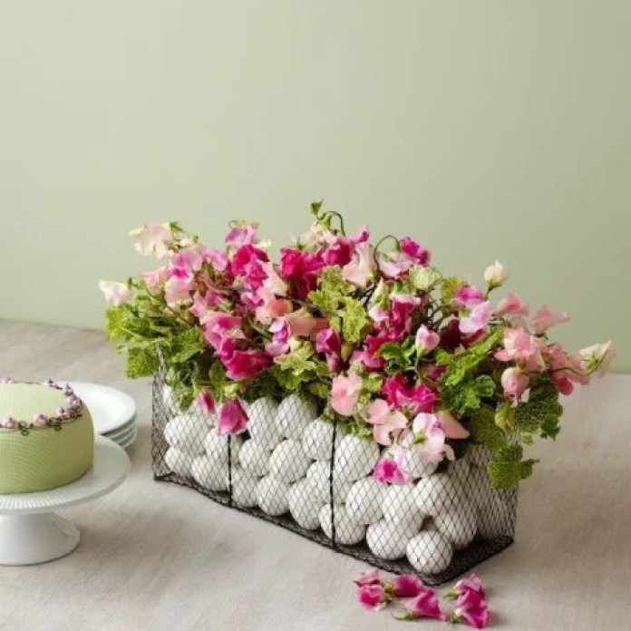 Simple white eggs with flowers Easter decor idea