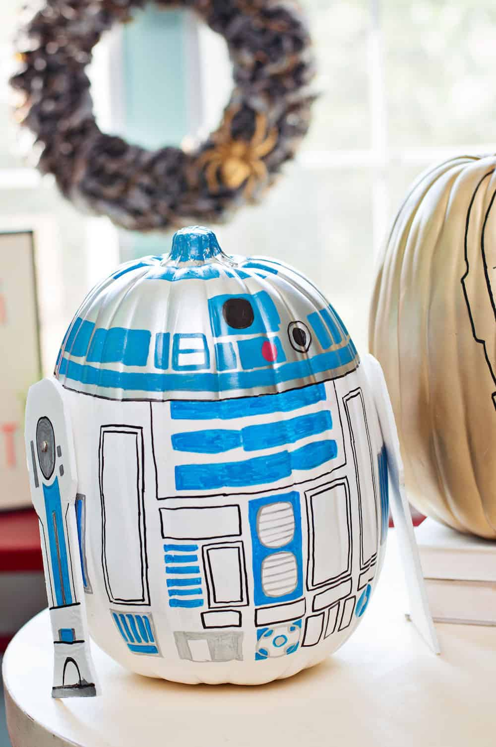 R2D2 and C3PO Star Wars Pumpkins  DIY Candy