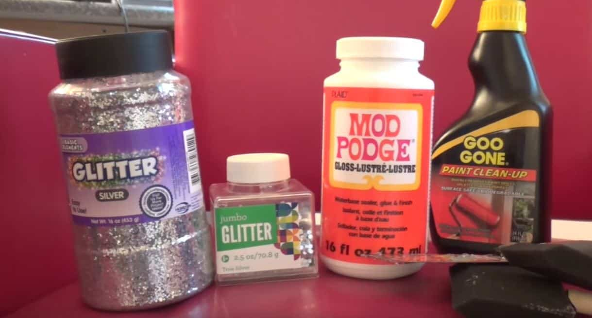 How To Spice Up Any Room With DIY Glitter Walls