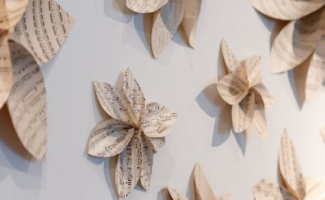 Some Easy And Nice Diy Newspaper Wall Hangings And Décor
