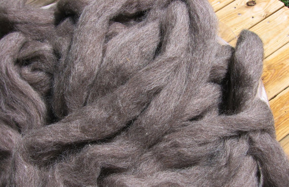 Undyed Natural Medium Brown Wool Roving – 4 ounces – Free Domestic Shipping by smokymountainfibers
