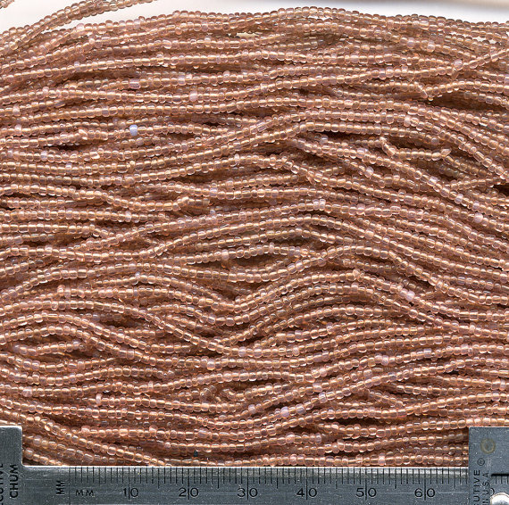 Vintage Seed Beads Translucent Dusty Rose Pink 75 & quot; Total – Size 12/0 by beadbrats
