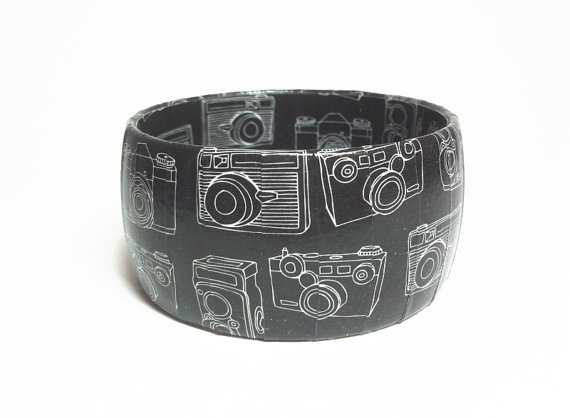 Camera Bracelet, Photographer Jewelry, Gift for photographer and friends by Funkychunkies