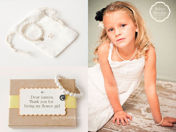FLOWERGIRL BRACELET – Personalized kids jewelry bracelet with monogram – baby girl pearl bracelet – junior bridesmaid dutchpearl by dutchpearl