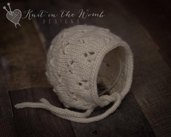 Clover Bonnet – Newborn – READY TO SHIP – hat – photo prop – newborn by knitinthewomb