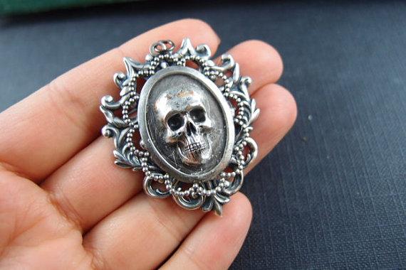 1PC large sturdy Gothic skull Details Oxidized Silver filigree pendant – 16a by yan4u