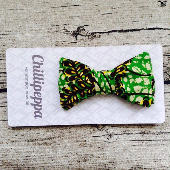 African bowtie, African print bow tie, Adjustable realistic no tie bow tie, wedding bow tie, hipster bow tie, bright bow tie by ChilliPeppa