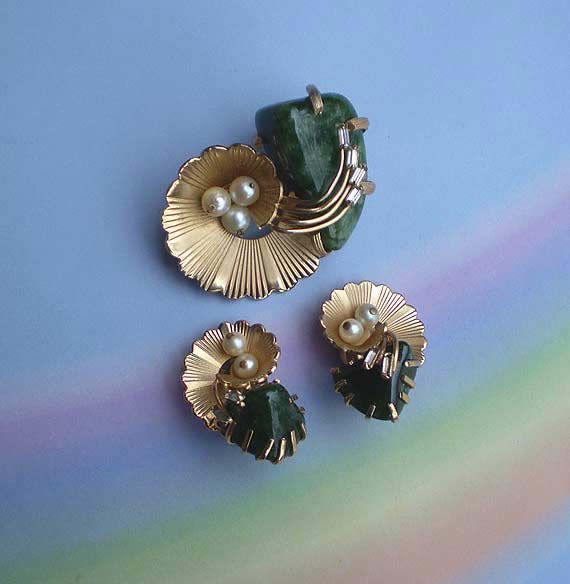 Vintage 60s Kramer Moss Agate Pearl Rhinestone Pin Earrings by TheSpectrum