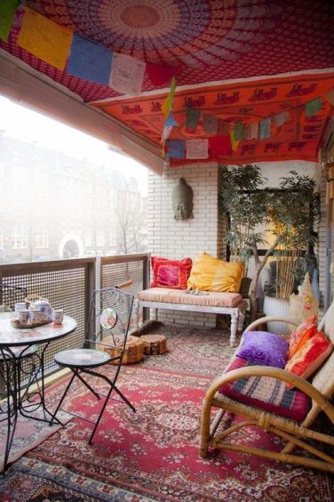 bohemian-style-apartment-balcony