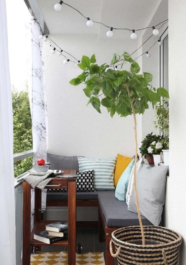 Small-Balcony-Design-Ideas-04-1-Kindesign