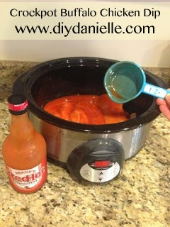 How to make your own buffalo chicken dip in the crockpot