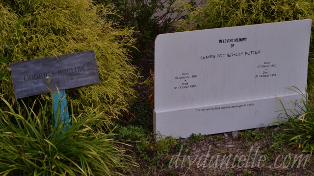 Godric's Hollow Sign and Grave for James and Lily Potter