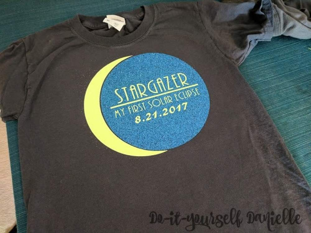 Easy solar eclipse shirts made with glitter HTV