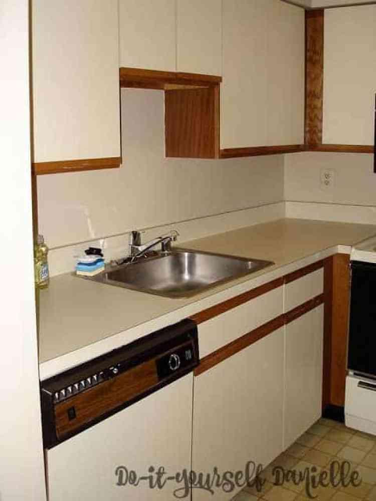 "1980's kitchen ""before"""