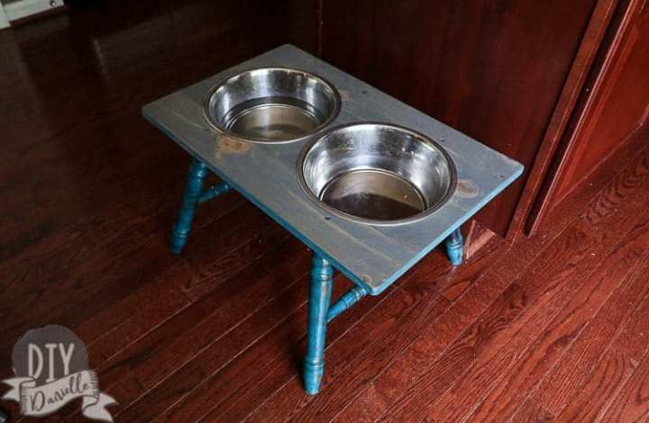 DIY Rustic Dog Bowl Holder