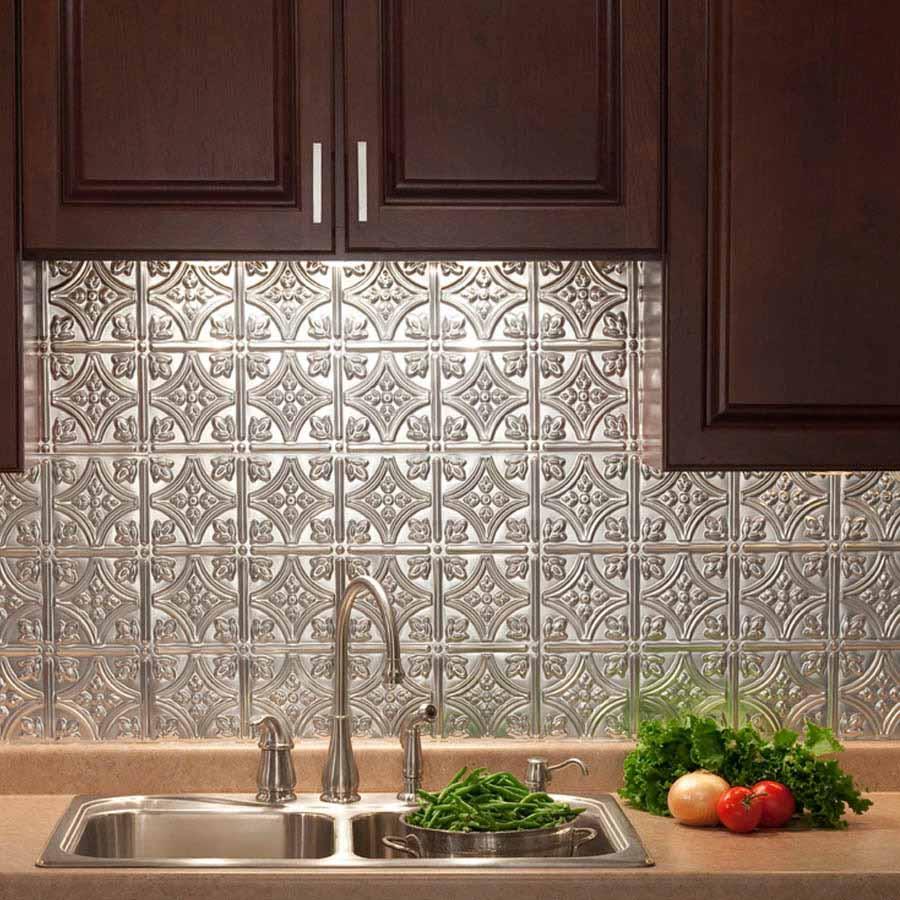 Fasade Backsplash - Traditional 1 in Brushed Aluminum