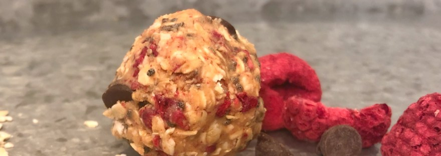 Healthy Snack: Chocolate Raspberry Energy Balls