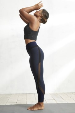 Mid range mesh workout legging