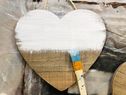 Paint your heart sign.