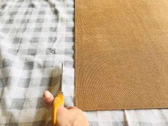 DIY Mantle Decor: cutting your fabric to size
