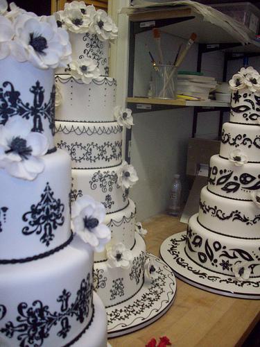 Wedding cakes (1/3)