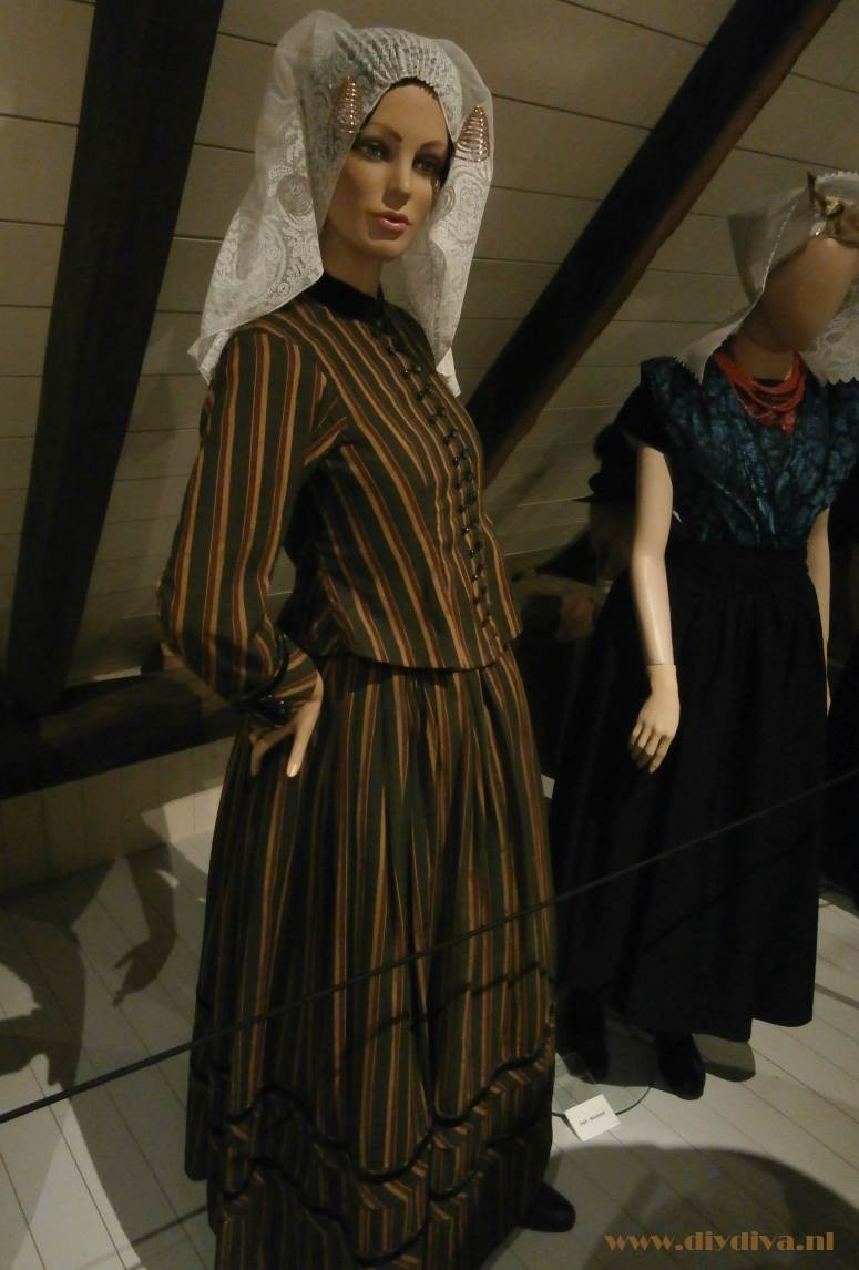 museum Hellendoorn Zuid Hollandse eilanden streekdracht diydiva